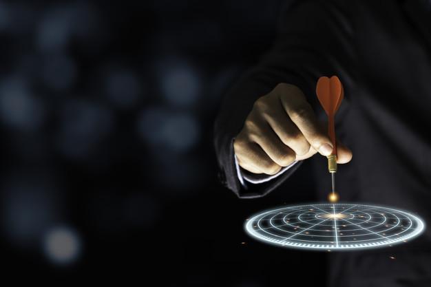 جاوید ایرانیان businessman throwing red arrow dart virtual target dart board setup objectives target business investment concept 50039 1472 1 شناسایی اهداف    Image of businessman throwing red arrow dart virtual target dart board setup objectives target business investment concept 50039 1472 1