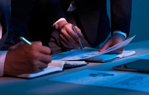 جاوید ایرانیان paperwork 1098 18063 626x400 1 تجزیه تحلیل کسب وکار در ۷ دقیقه    Image of paperwork 1098 18063 626x400 1